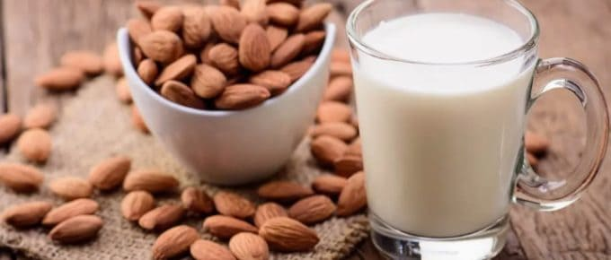 is it ok to freeze almond milk