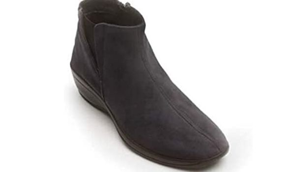 Arcopedico Women's ugg like boots not made from animals