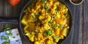 Curry with Cauliflower and Peas